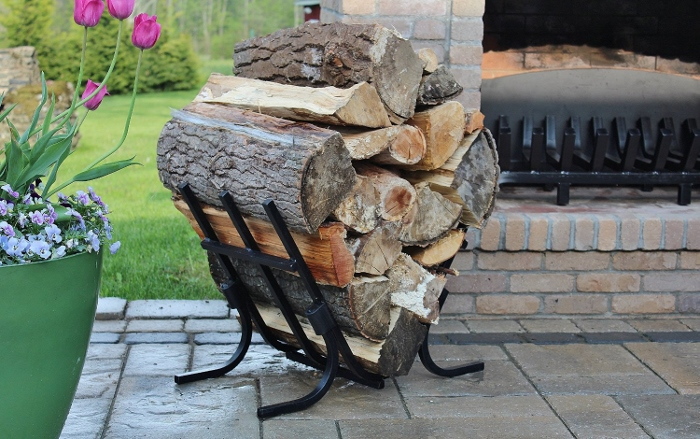 Grate Wall of Fire firewood rack